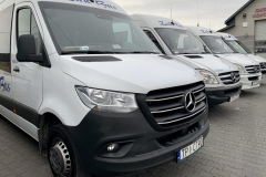 BUSY MERCEDES-BENZ SPRINTER